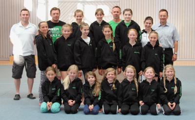 Foto zur Meldung: Trainingsjacken für Turnerinnen des TV Wallersdorf
