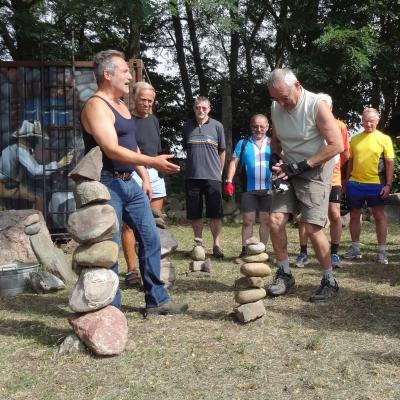 Foto zur Meldung: Mit kundigem Kenner auf der Spur der Steine