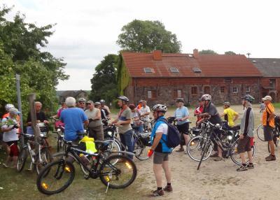 Foto zur Meldung: Feldstein und Fahrrad