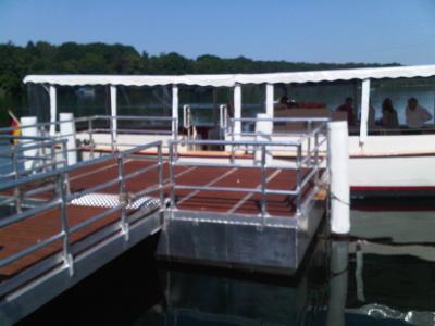 Foto zur Meldung: Was macht denn eigentlich....  unser Elektroboot auf dem Straussee?
