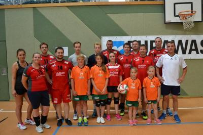 Foto zur Meldung: Volleyballer präsentierten sich dem Verein und den Familien