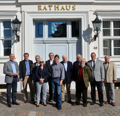 Foto zu Meldung: Vertreter des Stadtparlaments und Verwaltungsmitarbeiter aus Winsen (Luhe) zu Besuch