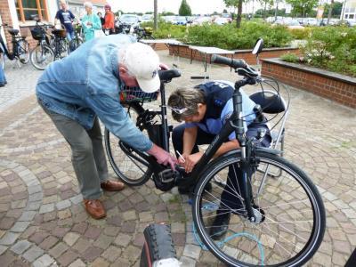 Foto zu Meldung: Fahrradcodierung fand großen Anklang