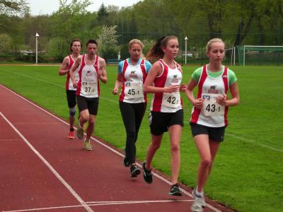 Foto zur Meldung: Meisterschaft aller Klassen im 5.000 Meter Bahnlauf