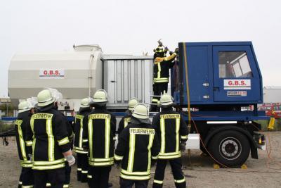 Vorschaubild zur Meldung: Feuerwehrgeschichte und Geschichten aus der Feuerwehr!