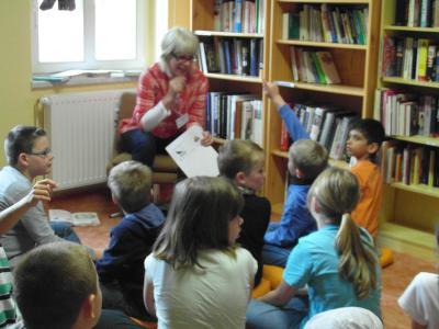 Foto zur Meldung: Ferienhortkinder  in der Stadtbibliothek