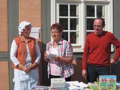 """Foto zur Meldung: Aktionen der Bibliothek zur """"48-Stunden-Kleeblatt-Aktion"""" am 4. und 5. Mai 2013"""