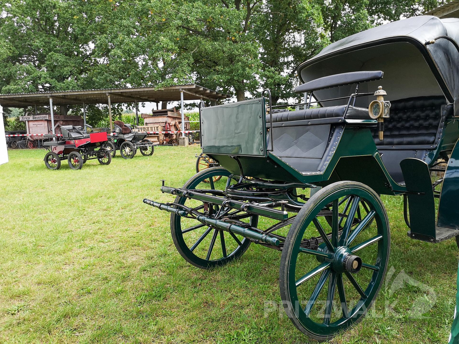 Historische Kutschen konnten beim Dorffest in Streckenthin ebenfalls bestaunt werden. Foo: Beate Vogel