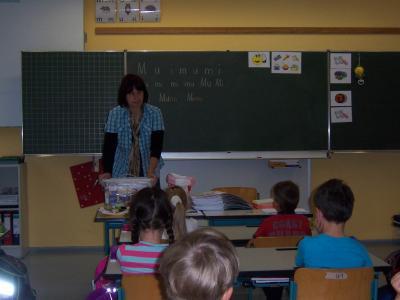 Foto zu Meldung: Verlass auf die Freunde und Förderer der Grundschule – Borgekisten wieder bestückt