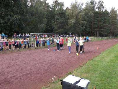 Foto zu Meldung: Schulsportfest - Dreikampf