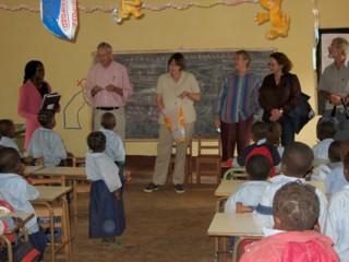 Der Berliner Freundeskreis besucht die AFFAMIR-Grundschule in Banock