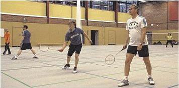 Foto zur Meldung: Badmintonspieler absolvierten in der erneuerten Halle ihr erstes Training