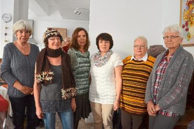 """Foto zur Meldung: Aktueller Zeitungsartikel zur Modenschau """"Schick in Strick"""" mit dem lustigen Nähkörble"""