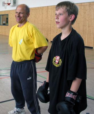 Daniel Pluta mit Abteilungsleiter Heinz Marsel