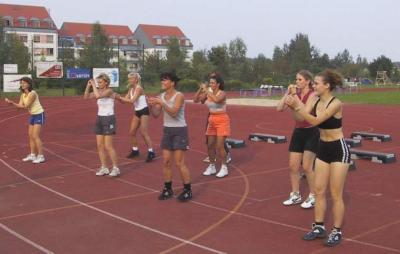 Foto zur Meldung: Aerobicfrauen beim Nieskyer Mehrkampfmeeting