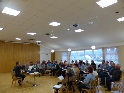Foto zur Meldung: Frauenchor und MGV gemeinsame Chorprobe im Bürgerhaus