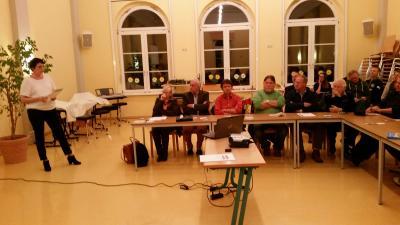 Stadträte und interessierte Bürger sind der Einladung zur Auftaktveranstaltung gefolgt