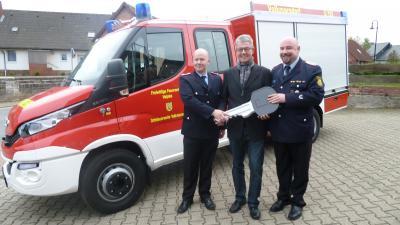 Foto zur Meldung: Ortsfeuerwehr Volkmarsdorf erhielt neues Fahrzeug