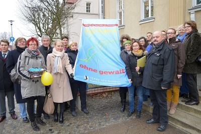 Foto zur Meldung: Aktionstag in Falkensee: Frei leben – Nein zu Gewalt an Frauen