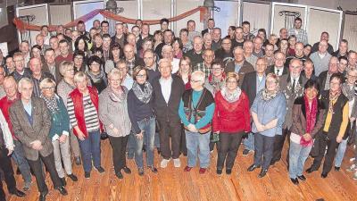Foto zur Meldung: Spendenübergabe der Raiffeisenbank an 97 Vereine im Tafelhaus Steinhauer