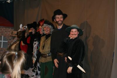 Foto zu Meldung: Märchenaufführung in unserer Schule