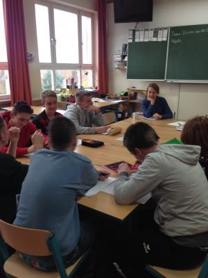 Foto zu Meldung: Sängerin Vivian van der Spree zu Gast im WAT-Unterricht