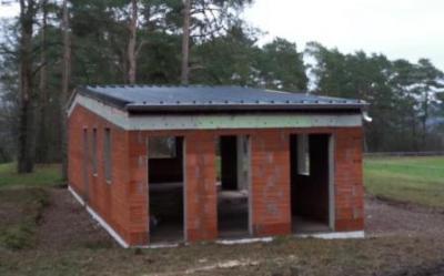 Foto zur Meldung: Sporthausneubau: Das Dach ist drauf!