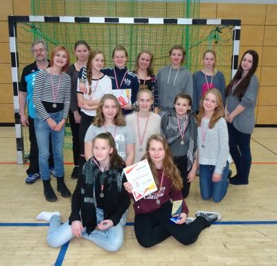 Foto zur Meldung: C-Jugend belegt 2. Platz beim C-Jugend-Weihnachtsturnier des Berliner TSC