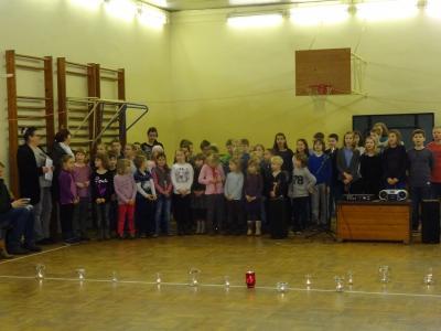 Foto zur Meldung: Weihnachten und Jahresabschluss in der Evangelischen Schraden-Grundschule
