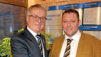Foto zu Meldung: Mark Kreutzberg neuer Velpker Bürgermeister