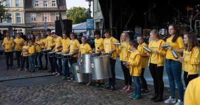 Foto zur Meldung: Klangvoller Workshop im Percussionfeeling