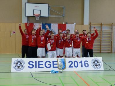 Foto zur Meldung: B-Jugend vom VfB IMO Merseburg wird Hallenmeister von Nord-Ost-Deutschland 2016
