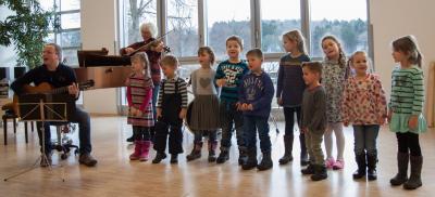 Foto zur Meldung: Farbenfrohe Konzerte für junge Zuhörer