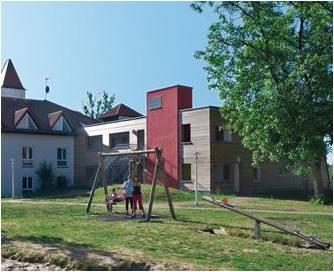 Foto zur Meldung: Mitglieder: Auszeichnung für Mutter-Kind-Klinik Waldfrieden in Buckow