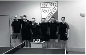 Foto zur Meldung: Tischtennis: Meisterlicher Aufstieg in die 1. Kreisliga
