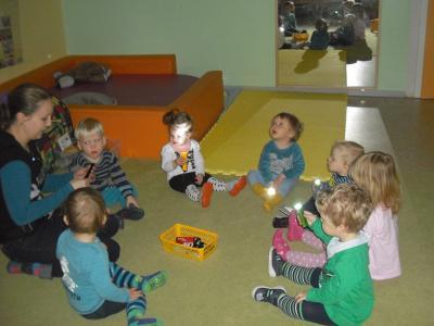 Foto zu Meldung: Kleine Taschenlampen vertreiben den Winter