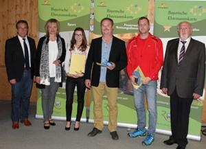 v. l. 1 Bürgermeister Alois Wenig, Doris Werner, Sabine Pfaller, Josef Weber, Thomas Weber und 3. Landrat Erich Muhr