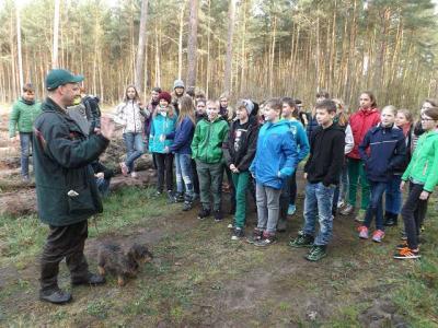 Foto zu Meldung: Bäume pflanzen Klasse 6a und 6b