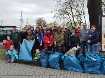 Foto zu Meldung: Dankeschön! - Tausend Helferinnen und Helfer für eine saubere Stadt