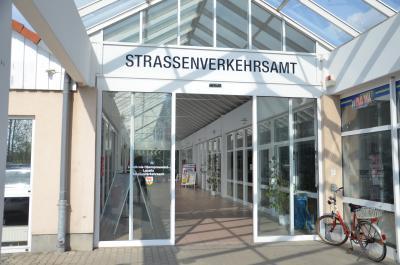 Einrichtungen der Kreisverwaltung OSL am Freitag (6. Mai 2016) geschlossen