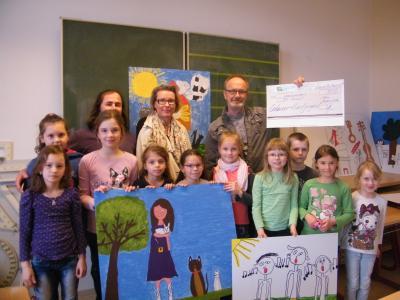 Foto zur Meldung: AG Kunst der Carl-Anwandter-Grundschule erhält Preisgeld