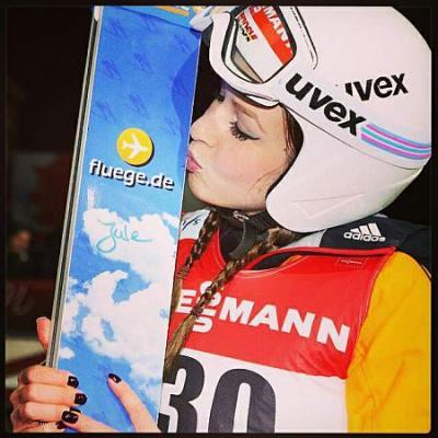Foto zur Meldung: Juliane Seyfarth landet auf den 14.Platz im WM-Einzelspringen von Falun