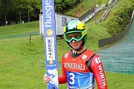 Foto zur Meldung: Bradi springt auf Platz 2 und 5 im FIS-Cup