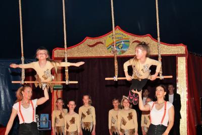 Foto zur Meldung: Schule einmal anders  Hirschfelder Schüler als Zirkuskünstler