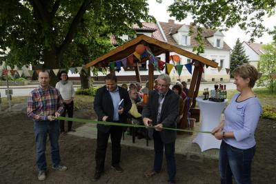 Foto zur Meldung: Rast- und Begegnungsplatz in Hohenofen eröffnet