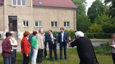 Foto zur Meldung: LAG: Bewilligungsbescheid für Sanierung des Gutsinspektorenhauses in Trebnitz