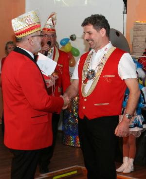 Foto zur Meldung: Präsident wird mit KVBB-Orden in Gold geehrt!