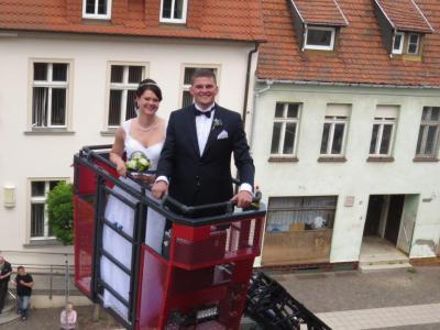 Foto zur Meldung: Hochzeit des Kameraden Roland Pey (FF Dergenthin)