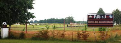 Foto zur Meldung: Deine Stimme zählt: Sanierungsarbeiten am Stadion Elsteraue des SV Lokomotive Uebigau e.V.