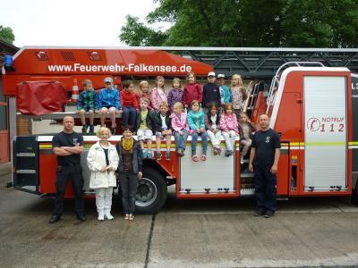Foto zur Meldung: Leserbrief der Kita Villa Kleeblatt: Besuch bei der Falkenseer Feuerwehr